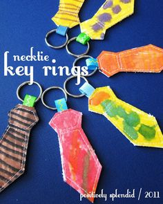 Father's Day craft for children: Necktie Key Ring Tutorial Handmade Gifts For Men, Diy Gifts, Great Father's Day Gifts, Gifts For Dad, Kids Crafts, Craft Kids, Preschool Crafts, Cadeau Parents, Daddy Day