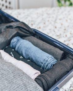 Optimiser sa valise : mes conseils (+ printable) - Lucile in Wonderland Cheap Travel Deals, Nursing Profession, Travel Nursing, Turkey Travel, Travel Bags, Road Trip, Wonderland, Aide, Life Hacks