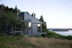 Maine Island House, by Alex Scott Porter Architecture + Design Off Grid House, Off Grid Cabin, Cottages By The Sea, Cabins And Cottages, Small Cottages, Coastal Cottage, Coastal Decor, Maine Cottage, Style At Home