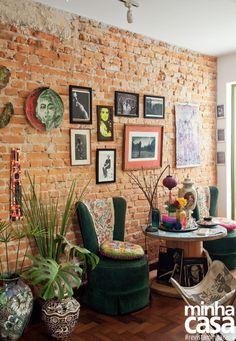 9 Beautiful Boho Wall Decor Id Brick Wall Decor, Brick Interior, White Home Decor, Baskets On Wall, Home And Deco, Eclectic Decor, Bohemian Decor, Wall Decor Boho, Boho Style Decor