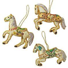 馬のハンギングオーナメント Cardboard Crafts, Felt Crafts, Painted Pony, Merry Go Round, Shrinky Dinks, Carousel Horses, Felt Christmas Ornaments, Gold Work, Crafty Craft
