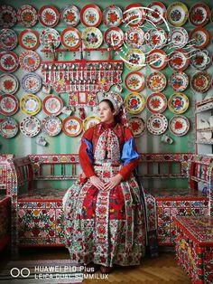 Folk Clothing, Historical Clothing, Folklore, Folk Costume, Costumes, Motion Photography, Rainbow Flowers, Folk Dance, World Cultures