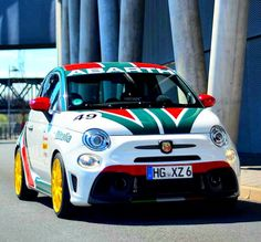 Fiat Cars, Rc Cars, Fiat Uno, Automobile Companies, Truck Paint, Fiat Abarth, Paint Designs, Supercars, Cars And Motorcycles