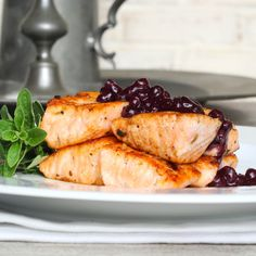 Butter Rubbed Salmon with Savory Blueberry Sauce « The Right Recipe Healthy Blueberry Recipes, Blueberry Sauce, Healthy Recipes, Healthy Food, Healthy Eating, Fish Dishes, Seafood Dishes, Main Dishes, Fish Recipes