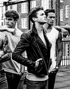 Cool handsome young man is wearing double leather riders jacket Greaser Style, Greaser Guys, Greaser Hair, Mens Hairstyles Pompadour, Models Men, Mode Rockabilly, Bad Boy Style, Bad Boy Aesthetic, Surfer