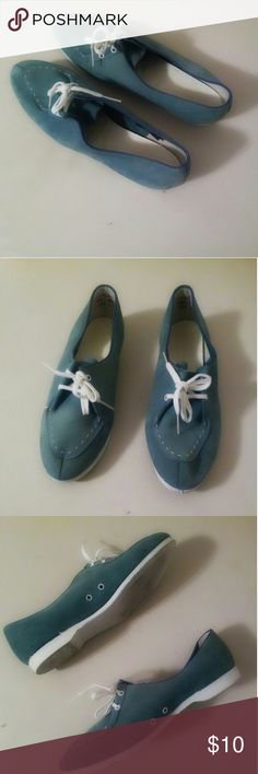 Vintage Brunswick Torquoise Blue Bowling Shoes These shoes are Pre owned and so adorable. brunswick Shoes Athletic Shoes
