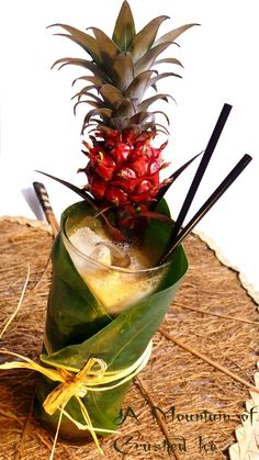 Last post for the tiki month! Here is a cathegory of tiki drinks that I like very much, those that contains some amount of coffee, often paired with pineapple Cocktail Garnish, Cocktail Menu, Refreshing Drinks, Summer Drinks, Tequila, Bar Drinks, Beverages, Fun Cocktails, Gastronomia