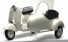new vespa with sidecar