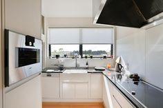 new kitchen by KMD Kitchens Auckland New Kitchen Designs, Kitchen Renovations, Beautiful Kitchens, Auckland, Kitchen Cabinets, Modern, Home Decor, Trendy Tree, Decoration Home