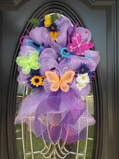 Roezee's Wreaths and More. My wreaths are made to order and while supplies last. I design all types of wreaths for. Deco Mesh Crafts, Wreath Crafts, Diy Wreath, Christmas Mesh Wreaths, Easter Wreaths, Spring Wreaths, Summer Wreath, Deco Mesh Wreaths, How To Make Wreaths