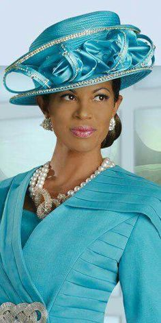 Love that turquoise! She is dazzling!