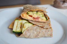 snelle vegetarische wrap met gegrilde courgette