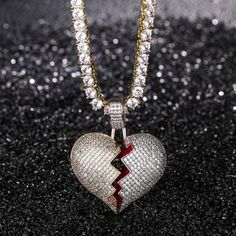 #stndrdz-advertisement Heart-Break Pendant Kevin Brown, Selling Design, Hip Hop Artists, Chain Pendants, Black Diamond, Really Cool Stuff, 18k Gold, How To Look Better, Pendant Necklace
