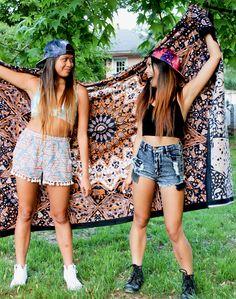 Bohemian tapestry, galaxy caps, and festival fashion >> www.shop-ardour.com