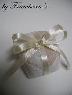 bem casado Chocolate Wrapping, Invitation, Ribbon Bows, Communion, Truffles, Party Planning, Wedding Gifts, Wraps, Baby Shower