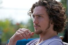 Aaron Johnson in Savages