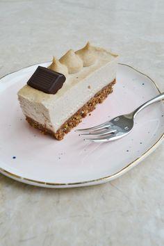 Healthy easy breakfast ideas to lose weight diet food list Healthy Cheesecake, Peanut Butter Cheesecake, Vegan Peanut Butter, Healthy Cake, Vegan Cake, Cheesecake Recipes, Dessert Recipes, Cheesecake Desserts, Vegan Treats