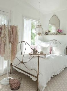 Shabby Chic Bedroom Ideas That Look Old but Pretty : SHABBY CHIC BEDROOM IDEAS –Shabby chic has been growingly popular in today's interior design. What is shabby chic anyway? In general, shabby chic mixe… Modern Shabby Chic, Shabby Chic Dining, Shabby Chic Interiors, Shabby Chic Bedrooms, Shabby Chic Kitchen, Trendy Bedroom, Shabby Chic Furniture, Shabby Chic Decor, Diy Bedroom