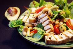 FIT salatka z avocado i tofu- witaminowa bomba Pasta Salad, Cobb Salad, Tofu, Salads, Recipies, Cheese, Fruit, Vegetables, Ethnic Recipes