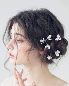 Pixie Haircut For Girls That Will Inspire You to Go Short Girls Pixie Haircut, Girl Haircuts, Aesthetic People, Aesthetic Girl, Natural Hair Styles, Long Hair Styles, Hair Reference, Gorgeous Nails, Ulzzang Girl