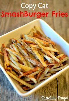 CopyCat Smashburger Fries packed full of spices and way better than anything you can buy! Plus a tutorial on how to cut perfect french fries Perfect French Fries, French Fries Recipe, Burger And Fries, Burgers, Frugal Meals, Side Dish Recipes, Side Dishes, Chips, Restaurant Recipes