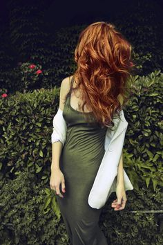 Absolutely gorgeous hair. Too bad she has no face.