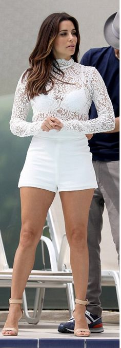 Who made Eva Longoria's nude sandals, shorts, and white lace top? Cannes, Eva Longoria Style, Sheer Lace Top, Nude Sandals, Hollywood, Poses, Short Outfits, White Lace, Celebrity Style