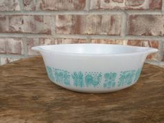 Check out this item in my Etsy shop https://www.etsy.com/listing/217617110/vintage-pyrex-milk-glass-white-aqua