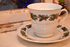 Christmas Candle in vintage tea cup #shopellion etsy.com/shop/shopellion
