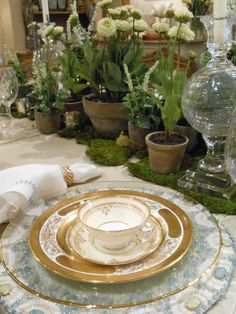 Spring table at Annelle Primos