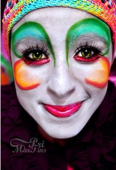 Cirque Du Soleil makeup from Alegr? Circus Makeup, Clown Makeup, Halloween Makeup, Costume Makeup, Clown Face Paint, Pierrot Clown, Female Clown, Fantasy Make Up, Circus Wedding