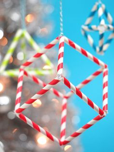 Paper Straw Geometric Shape Ornaments (The pipe cleaner connectors are clever) Diy Straw Crafts, Plastic Straw Crafts, Crafts To Do, Paper Crafts, Paper Toys, Paper Ornaments, Christmas Ornament Crafts, Holiday Crafts, Christmas Maths