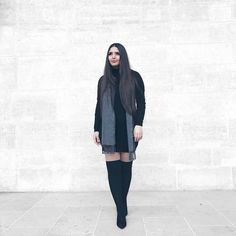 Enjoying Paris in this simple yet elegant outfit! I lovehellip