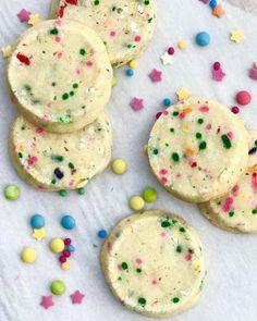 Sprinkles in the sunshine - confetti #cookies #homebaker #feedfeed #wheresthesun #funfetti #spring #dessert #pretty #fbcigers