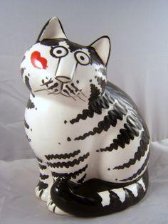 "KLIBAN CAT ""LOVE A CAT"" FIGURINE     (northernlightsvintage.blogspot.com)"