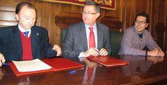 Firma convenio entre la AECC de Teruel y el Ayuntamiento para el uso de la piscina #Aragón