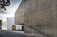 Archipelago Contemporary Arts Center Portugal http://www.livegreenblog.com/sustainable-architecture/archipelago-contemporary-arts-center-portugal-10424/