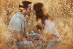 Portrait Photography Poses – 5 Free Photography Portrait Poses Checklists Images is really a skill Shooting Couple, Couple Posing, Couple Shoot, Cute Couple Poses, Couple Photography, Engagement Photography, Photography Poses, Wedding Photography, Fall Photography