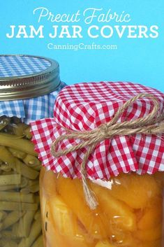 Cloth jam jar covers add a finishing touch to mason jars. Fabric mason jar covers are perfect for home canned gift jars to share with friends & family! Shop for canning jar labels & cloth jar covers on CanningCrafts.com | #canning #foodpreservation #preserving #jam #gingham #farmersmarket Jam Jar Labels, Canning Jar Labels, Mason Jar Lids, Canning Recipes, Jar Recipes, Favour Jars, Gift Jars, Jar Gifts, Food Gifts