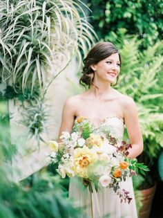 Photography: Daniel Kim Photography - danielkimphoto.com/  Read More: http://www.stylemepretty.com/2014/12/11/beachside-arboretum-shoot-at-shelldance-orchid-gardens/