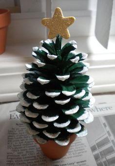 松ぼっくりクリスマスツリー                                                                                                                                                      もっと見る                                                                                                                                                      もっと見る