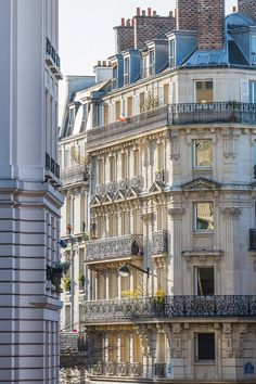 This is the most popular street in the city of Paris. Its tree-lined pathways sweep from the Place de la Concorde to the Arc de Triomphe. Parisian Architecture, Beautiful Architecture, Beautiful Buildings, Iron Balcony, Paris Decor, Paris Apartment Decor, York Apartment, City Aesthetic, Building Aesthetic