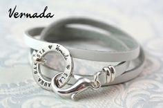 Vernada Design -nahkakäsikoru ELÄ. NAURA. RAKASTA., valkoinen, kapea, sileä / Vernada Design - Vernada Design -nahkakorut / Vernada-puoti