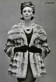 Wilhelmina Cooper, 1962 _ fashion _ fun coat