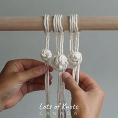 Good Screen Macrame Knots rose Popular Since you may already know, we love to macramé ;It's boho vibes are the like tendency plus we' Macrame Wall Hanging Patterns, Macrame Art, Macrame Design, Macrame Projects, Macrame Patterns, How To Macrame, Macrame Supplies, Micro Macrame, Art Macramé