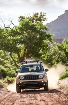 New Price Release Jeep Renegade 2.4 Trailhawk Review Front View Model