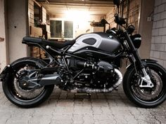 BMW RnineT-Almost done...