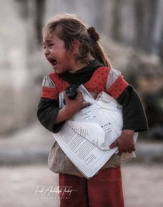 Kids Around The World, We Are The World, People Of The World, Emotional Photography, War Photography, Palestine History, Syrian Children, Bless The Child, Human Poses Reference