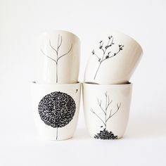 Pick a different vessel for each time of year with the Four Seasons Cup Set. Designed around a tree's life cycle, each hand-drawn design features a tree at a different time of year.