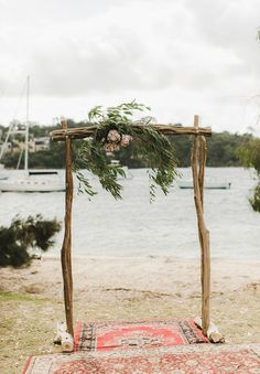 Beautiful garland. Can imagine something similar at the entry points to the veranda.